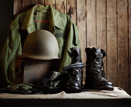 Kapelusz wojskowy Helikon – ochrona przed deszczem i sloncem