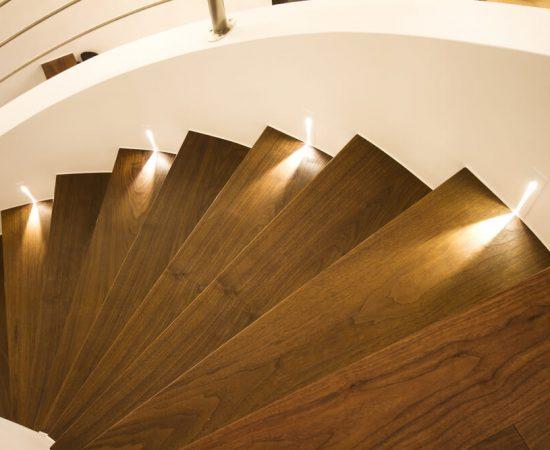 oswietlenie klatki schodowej